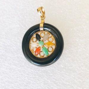 14k Vintage Circle Jade Pendant